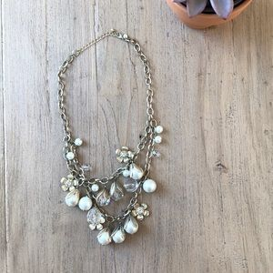 Jewelry - Gold necklace with pear and flower detail